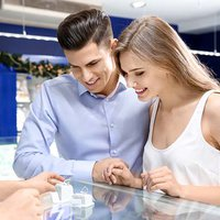Study: Couples Leave Little to Chance When Choosing Engagement Rings