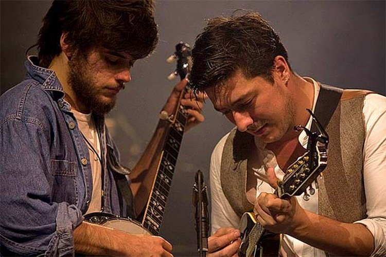 Music Friday: Mumford & Sons' Frontman Paints His Spirit Gold in 2012's 'I Will Wait'
